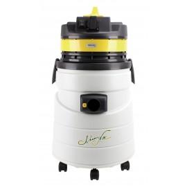 Aspirateur commercial pour résidus secs par Johnny Vac - avec prise pour outil électrique - moteur de 509 watts - 12,7 ampères - capacité de 11,4 gal (43 L)