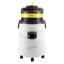 Commercial Dry Vacuum by Johnny Vac - with Power Tool Plug - 509 Watts Motor - 12.7 Amps - 11.4 gal (43 L) Capacity