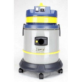 Wet & Dry Commercial Vacuum JV315 from Johnny Vac - 7.5 gal - 1250 W - Refurbished