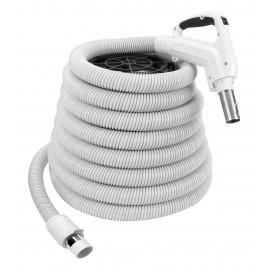 Boyau pour aspirateur central - 12,2 m (40') - poignée ergonomique avec prise caoutchoutée confortable et pivotante à 360° - gris - bouton-barrure - bouton marche-arrêt